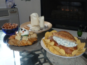 Christmas Day: Completed Frosty the Cheeseball and Spinach Artichoke Dip